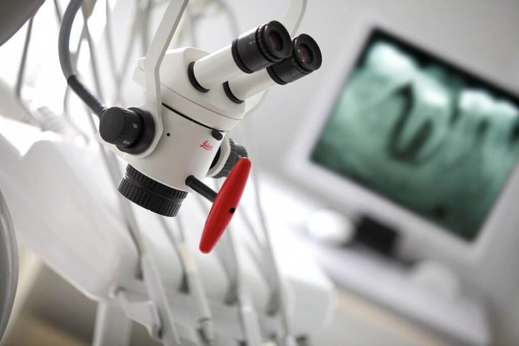 """Диагностика и лечение с применением дентального микроскопа в Стоматологии """"Бюро 32"""""""