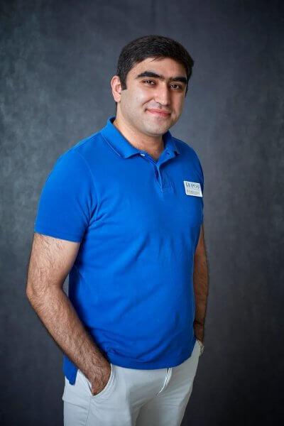 Мустафаев Насими Стоматолог-хирург, имплантолог, кандидат медицинских наук.