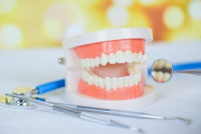 """Профессиональная чистка зубов в Стоматологии """"Бюро 32"""""""