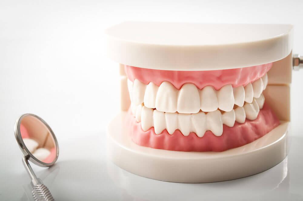 """Срочное протезирование зубов в Стоматологии """"Бюро 32"""""""